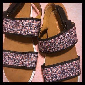Bernie mev Pink & White Atlantis slingback sandal